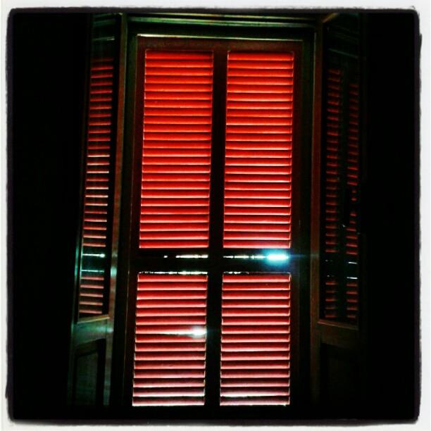 Il mondo è proprio là fuori... #finestre #outside
