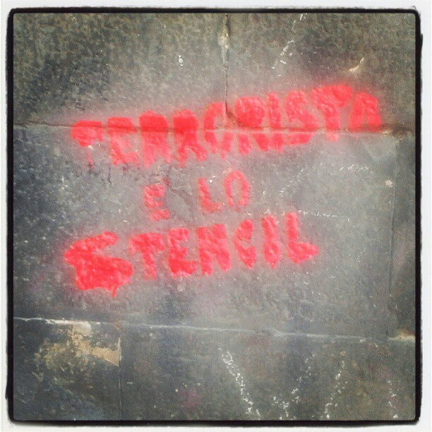 Terrorista è lo stencil #streetart & #subvertising