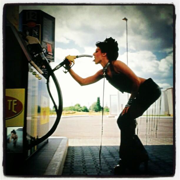 Un metro quadro iper contemporaneo, benzina addicted!