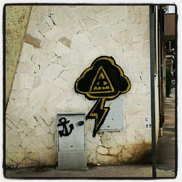 Rebus (3, 2, 8) #streetart