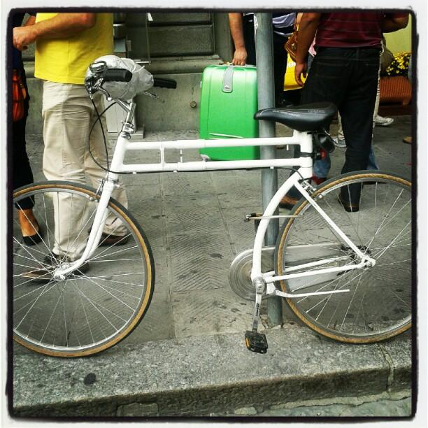 "Bicicletta a ""lunghezza regolabile"", probabilmente autoprodotta #diy #bike"