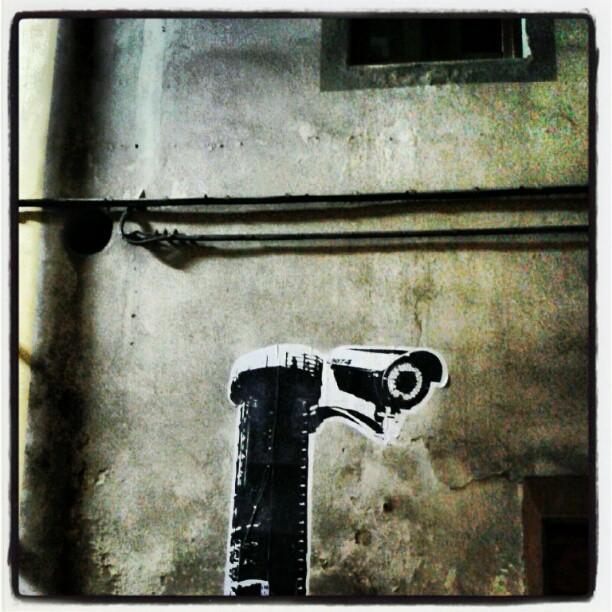 Inquirente presenza #cctv #streetart