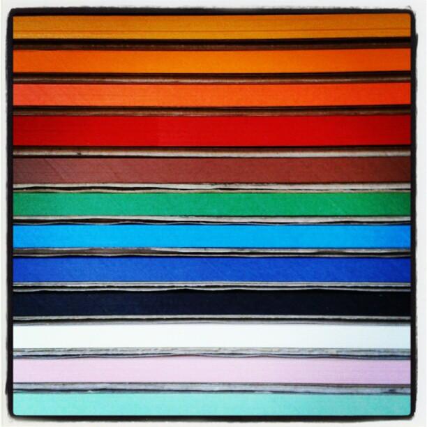 Una scatola piena di... #colori
